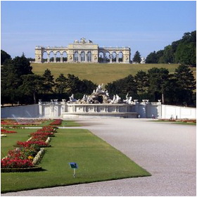 Schloss Schoenbrunn Gardens and Gloriette